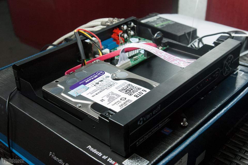 Ổ WD Purple 6 TB trong đầu ghi Vantech.
